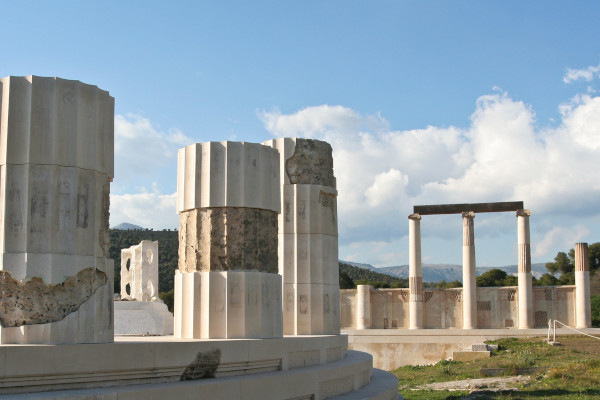A picture showing some remains at the archaeological site of Epidaurus.