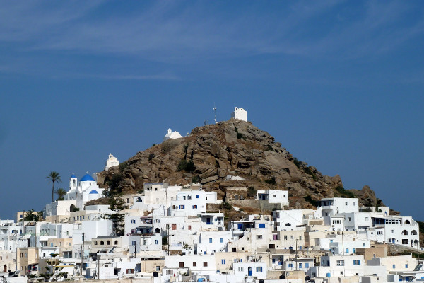 A picture showing a part of the main settlement (Chora) of Ios.