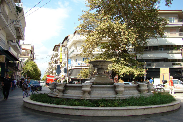 The fountain at the central pedestrian street of Katerini.