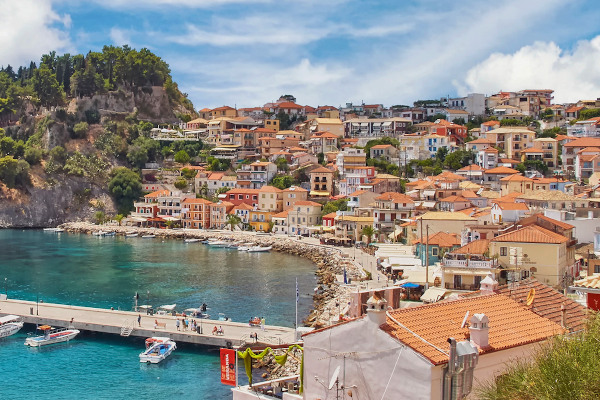 A panoramic picture showing a part of the amphitheatrical settlement of Parga including the hill of the castle.