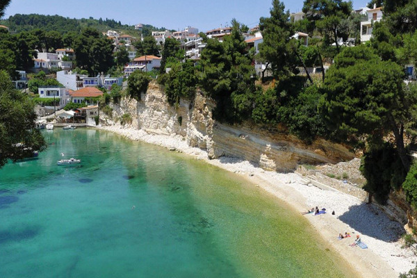 A panoramic photo of the Votsi Beach on the island of Alonnisos.