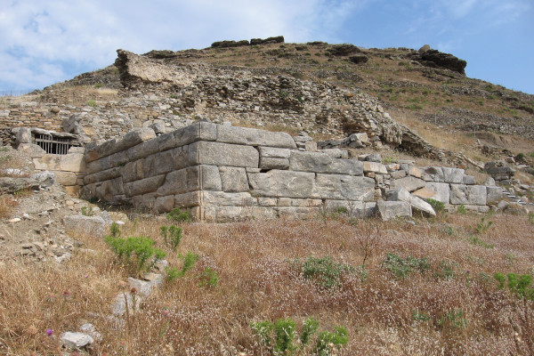 A picture of the remains of the fortifications of Minoa city in Katapola on Amorgos island.