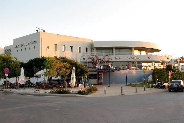 An overview of the whole building and the main entrance of CRETAquarium Thalassókosmos.