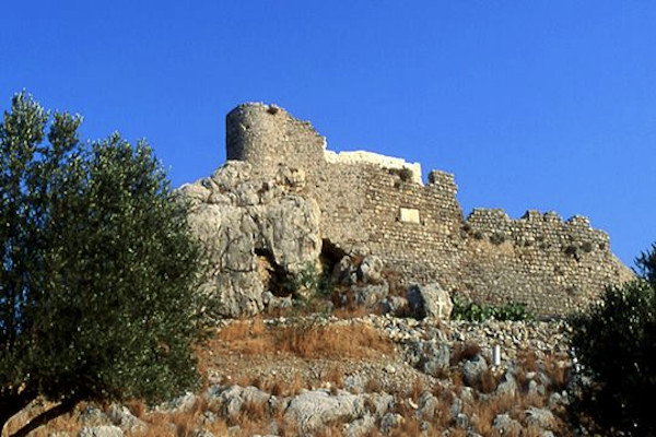 A picture showing the exterior walls of Chrysocheri Castle on the island of Kalymnos.