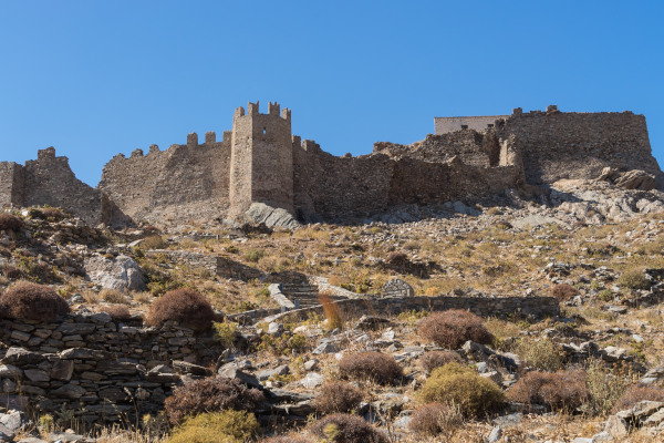 A photo taken outside the Castello Rosso of Karystos and shows a part of the walls.
