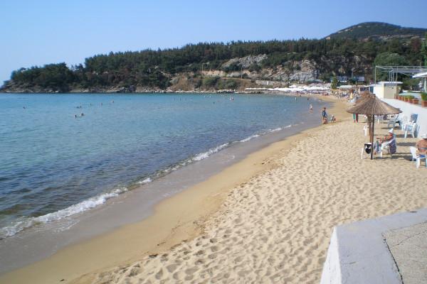A picture of the Kalamitsa Beach of Kavala.