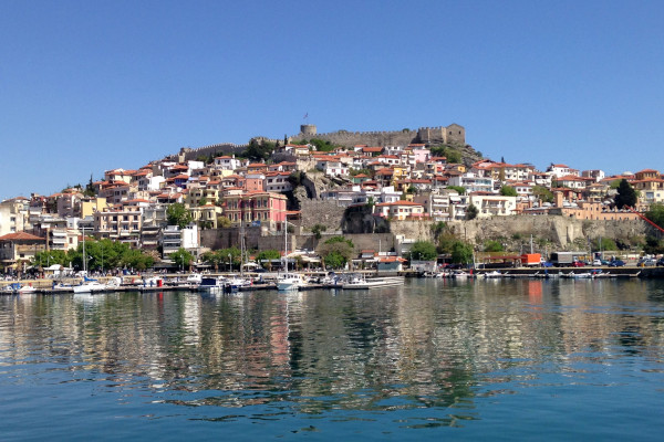 A picture taken from the port that shows the old city (Panagia) and the castle of Kavala.