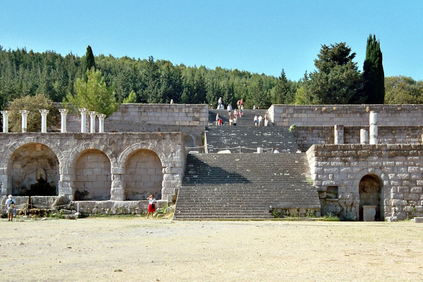 A picture showing the remain and the facilities of theAsklepion of Kos.