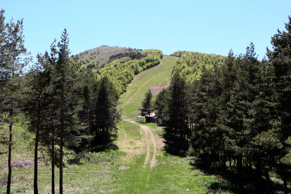 One of the slopes of the Lailias ski resort during the summer.