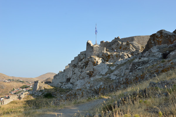 A picture showing the Castle of Myrina on the island of Lemnos.