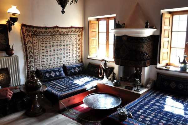 A room with traditional items as exhibits in the Folklore Museum of Metsovo (Tossizza Mansion).