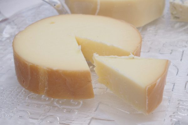 A picture showing the smoked cheese of Metsovo, called Metsovone.