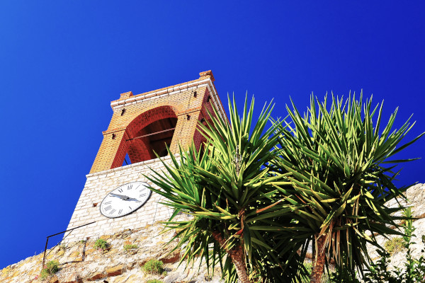 An image showing the The Clock of Nafpaktos on the city's Byzantine castle.