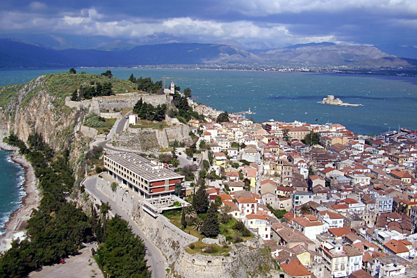 A panoramic picture showing the Akronauplía peninsula of Nafplio.