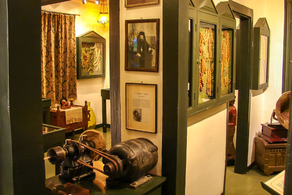 A picture showing exhibits in one of the rooms of the  Komboloi Museum in Nafplion.