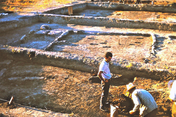 A photo during the excavations at the Neolithic Settlement of Nea Nikomedeia in 1963.
