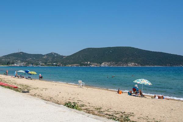 A photo of the beach of Nea Peramos.