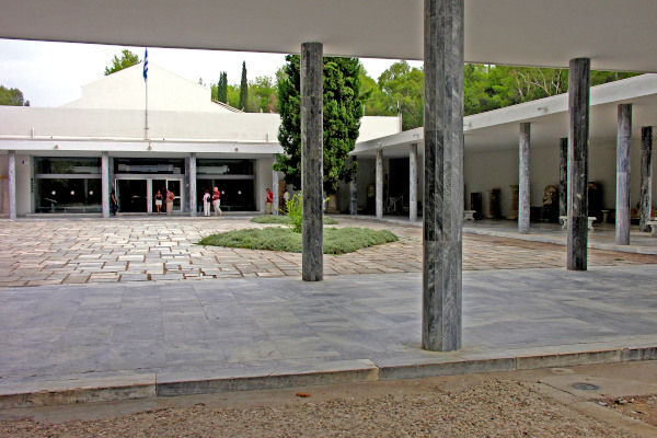 The main entrance and the inner yard of the Archaeological Museum of Olympia.