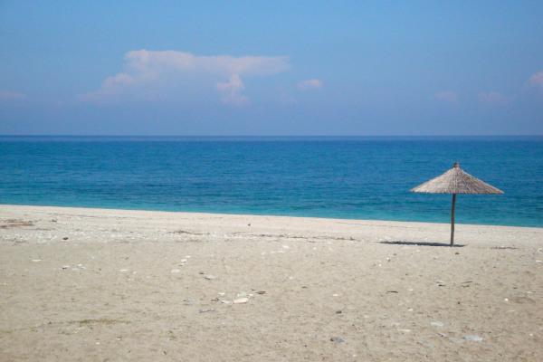 A photo showing a part of the Chorefto beach at Zagora of Pelion.