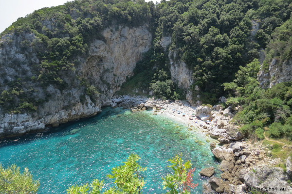A panoramic picture that depicts the Fakistra beach of Mouresi at Pelion.