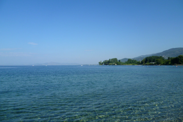 A picture of the crystal clear waters of the Koropi (Boufa) beach of South Pelion.