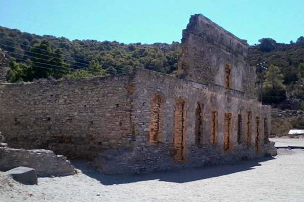 A picture of the part of the Ruins of the Russian Dockyard in Poros.