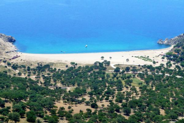 An aerial photo showing the beach of Pachia Ammos on the island of Samothraki.