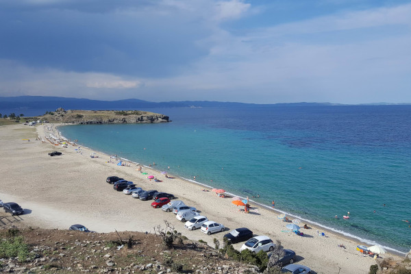 An overview of the Trani Ammouda Beach on Sithonia, Halkidiki