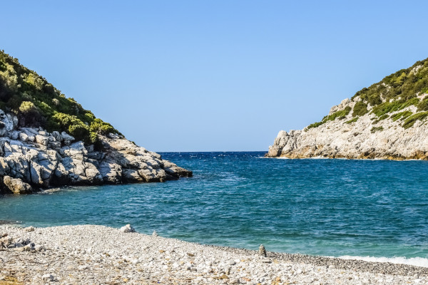 A picture of the beach of Glystéri on the island of Skopelos.