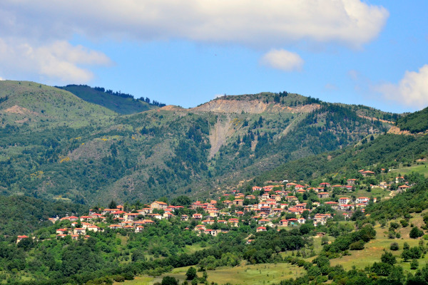 An overview of the village of Rentina of Agrafa among the surrounding mountains and hills.