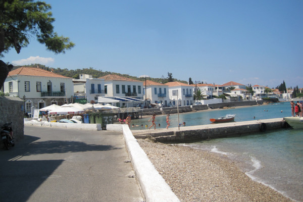 A photo of the beach of Agios Mamas in Spetses Town.
