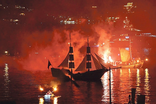 The representation of the  Naval Battle of the 8th September 1822 at the Armata festival in Spetses.