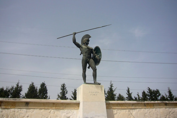 A photo the Memorial of Leonidas and the 300 of Sparta in Thermopylae.