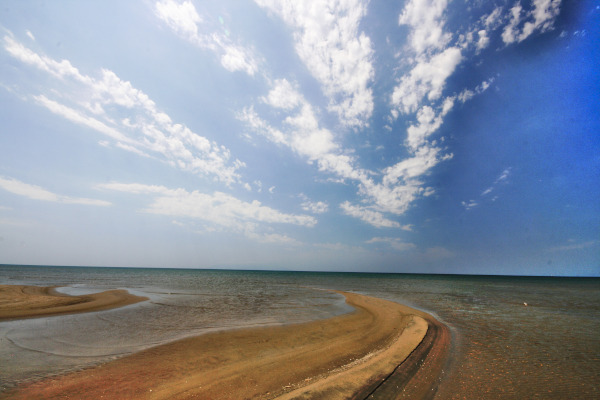 A picture showing the sandy beach of Delta of Evros close to Traianoupoli.