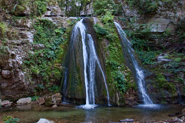 A close up picture of the waterfalls of Varvara in Halkidiki.