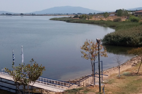 A picture taken from the Nea Apollonia spa showing Volvi lake.